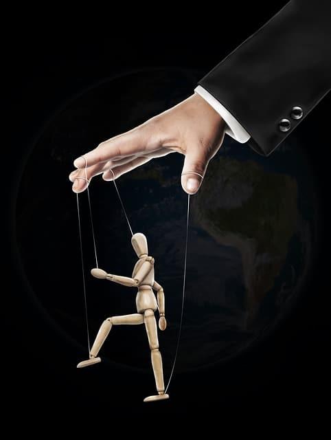 manipular a un hombre